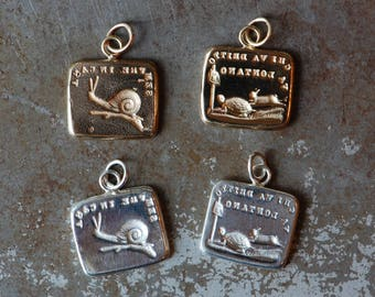 """Cachet Collection Victorian reversible wax seal charm or ring・""""Slow and steady"""" ∙ snail, home sweet home, peace, tortoise and hare"""