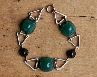 Vintage Art Deco 1930s faux chrysoprase and enamel sugarloaf bracelet