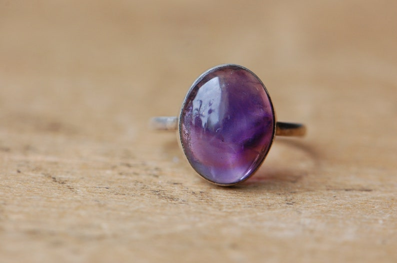 Vintage 1970s sterling silver amethyst cabochon ring image 0