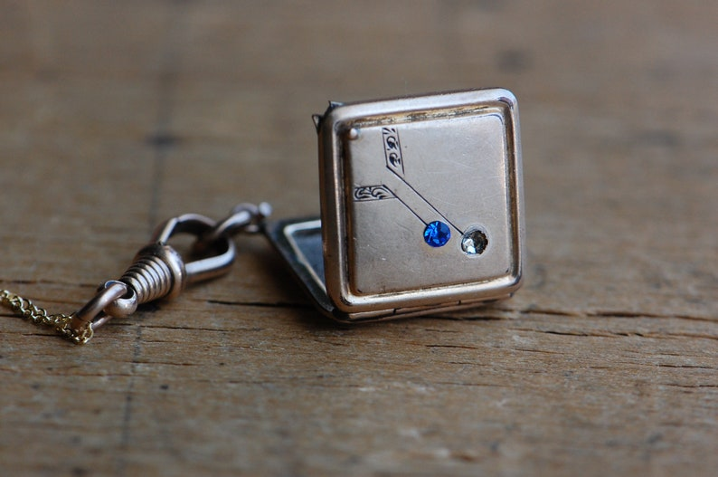 Antique Victorian 1910s gold fill square photo locket with image 0