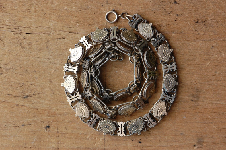 Antique 1900s Victorian bookchain necklace with fan motif image 0