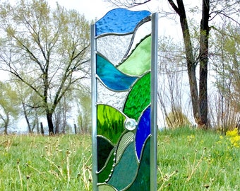 Garden stake STAINED GLASS ART in blues and greens