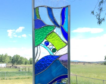 STAINED GLASS GARDEN stake - Large in Blue/green/purple and clears