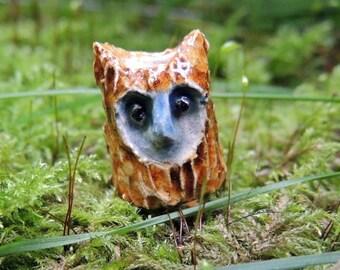 Owl bead (hole 4mm) 22x13mm