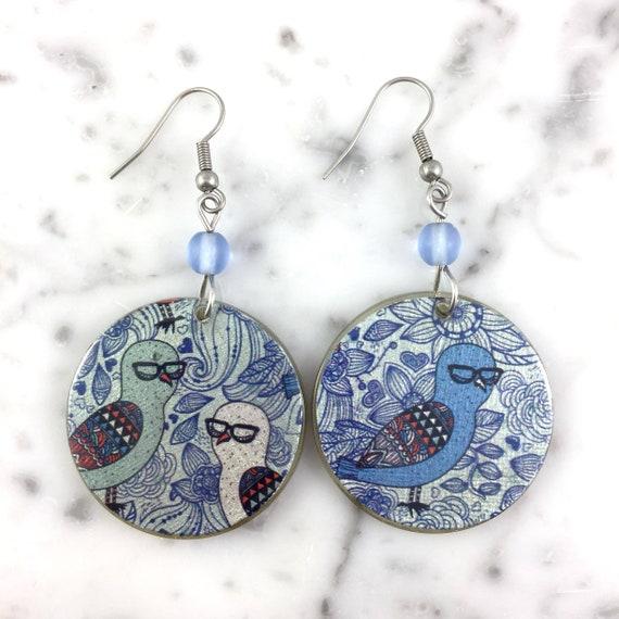 Resin earrings, birds pattern, different earring, blue white,  handmade, hypoallergenic hook, stainless steal, les perles rares