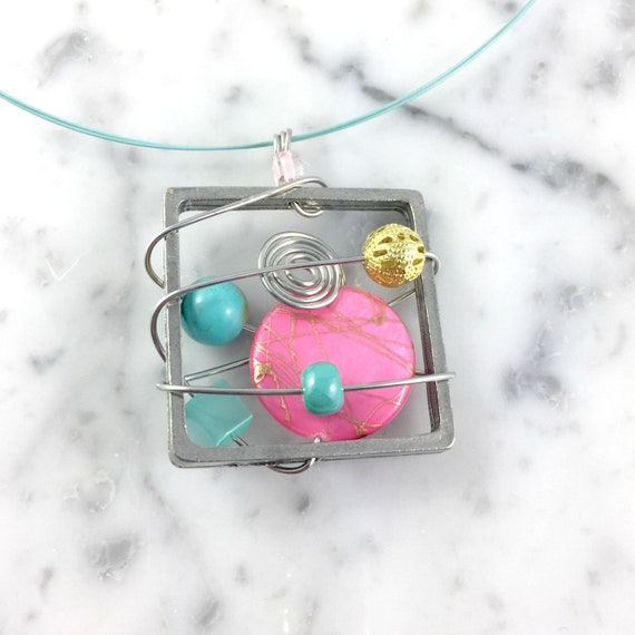 pink turquoise gold Square metal stainless necklace colors, mermaid colors,  beads pewter and stainless steel tiger tails, les perles rares