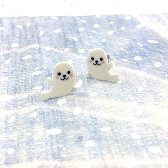 Whitecoat earring, white coat animal, white animal, grey seal, white fur print on plastic, stainless stud, handmade, les perles rares