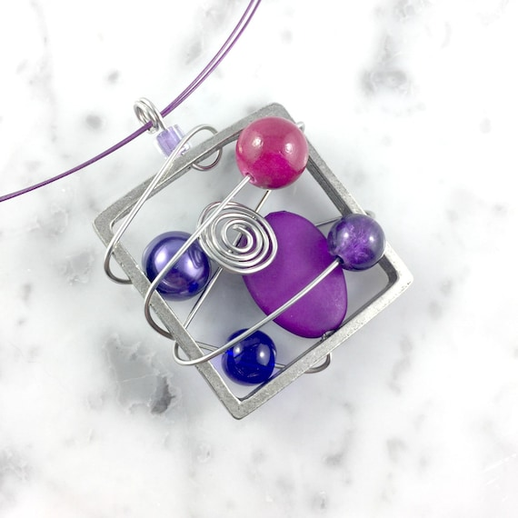purple Square metal stainless necklace colors, violet,  beads pewter and stainless steel tiger tails, les perles rares