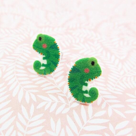 chameleon, earring, green chameleon, lizard, change color animal, chameleon print on plastic, stainless stud, handmade, les perles rares