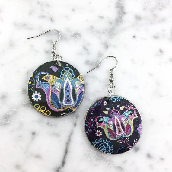 Resin earrings, flower, pattern, blue, purple, violet, green, kaki, vintage, sold, earring, hypoallergenic hook