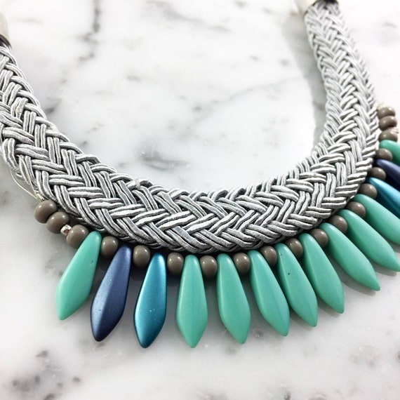 Ajustable necklace on stainless chain, turquoise blue glass beads and grey seed bead on grey braided polyester cord, les perles rares