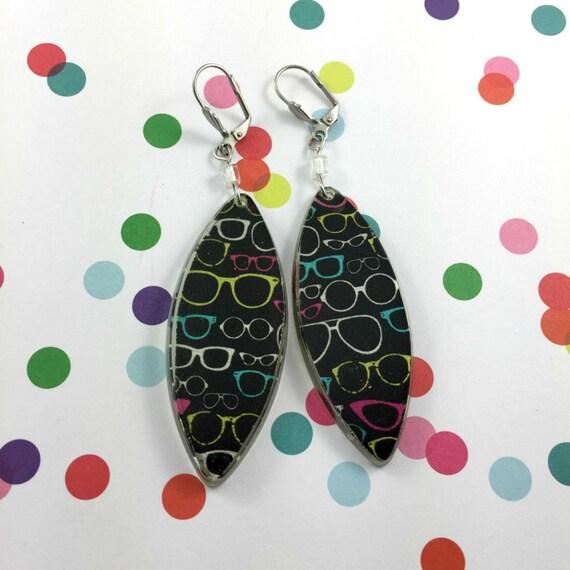 Long Resin earrings handmade, bird, black white, yellow, summer, color, on stainless steel hook, les perles rares