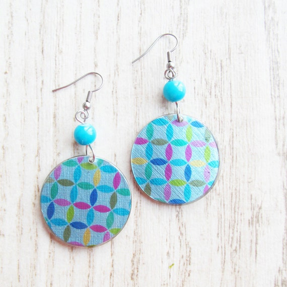 Resin earrings handmade pink yellow green blue pattern on bleu background stainless hook