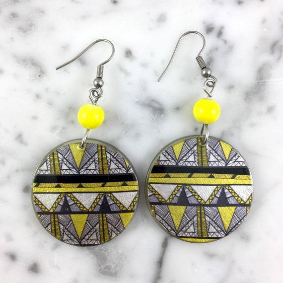 Resin earrings, abstract pattern, yellow, black, white,  handmade, background, hypoallergenic hook, stainless steal, les perles rares