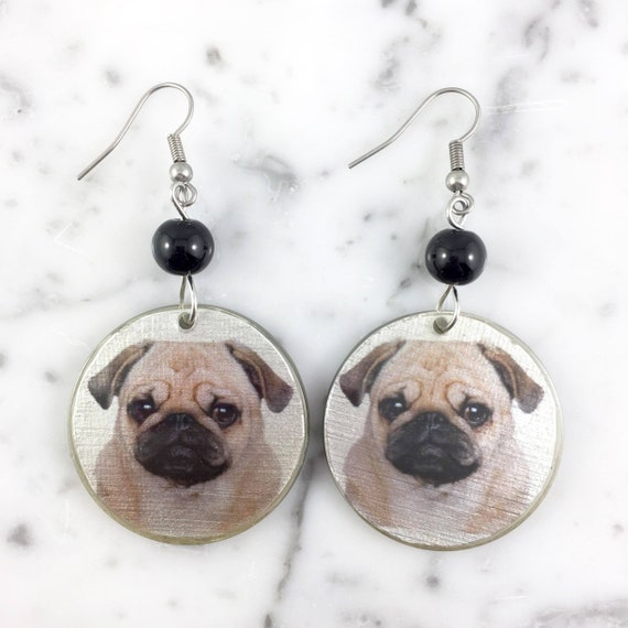 Resin earrings, pug, carlin, pug picture, dog earring,  handmade, background, hypoallergenic hook, stainless steal, les perles rares