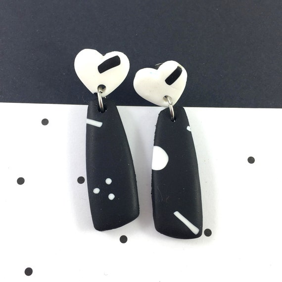 polymer geometric, hearts stud, long earring, stainless, black and white, polymer clay earring, metal triangle,  les perles rares