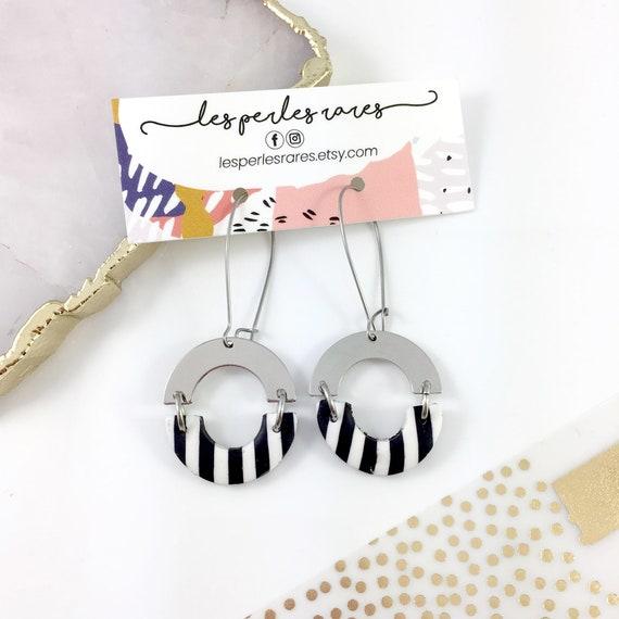 dangle earring, silver hook, polymer clay earring, black, white, line, half circle dangle earring, white, les perles rares