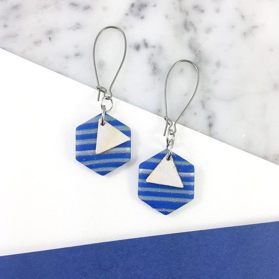 polymer hexagone blue earring, unique pendent, stainless earring, geometric, polymer clay earring, metal triangle,  les perles rares