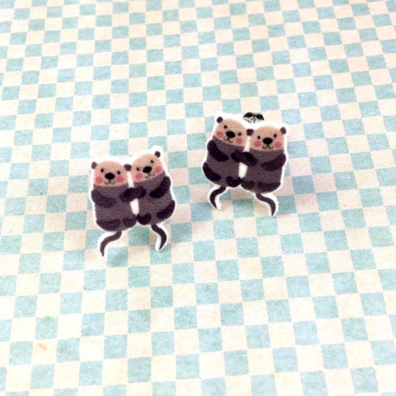 two lovely otters, earring, otter earring, family otter, brown otter, print on plastic, stainless stud, handmade, les perles rares