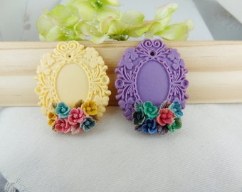 2pcs (18 x 25mm setting) Lace Pendant Bases With Hand- Print Flower Cabochon