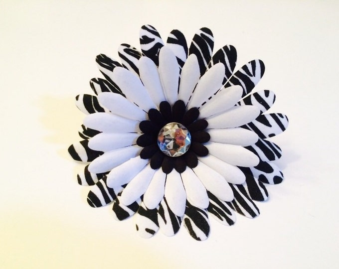 "4.5"" Fancy Dog Collar Flower,  Zebra Print Daisy, for medium to large breed dogs"