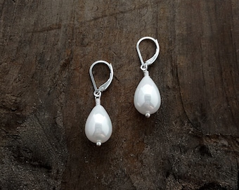 Iridescent Pearl Earrings, Pearls, Royal Jewelry, Popular Jewelry, Animal Rescue, Under 25 Dollars, Bridal Jewelry, Kate Middleton Inspired