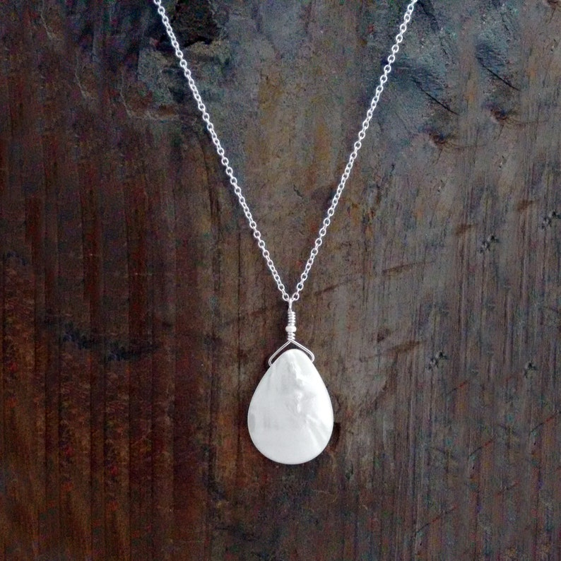Mother of Pearl Modern Jewelry Celebrity Inspired image 0