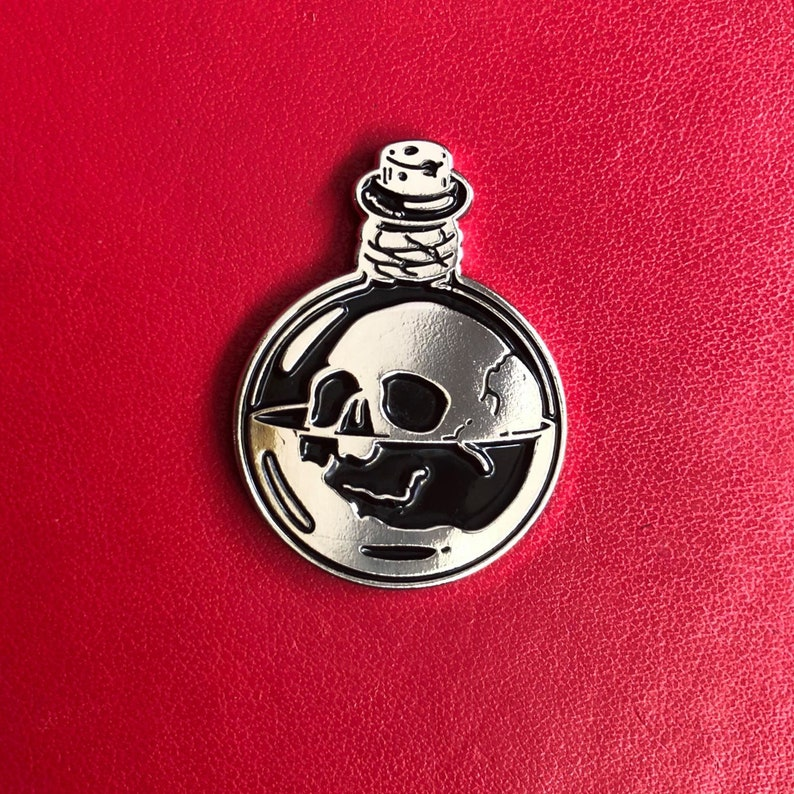 Deadly Potion  Skull  Soft Enamel Pin image 0