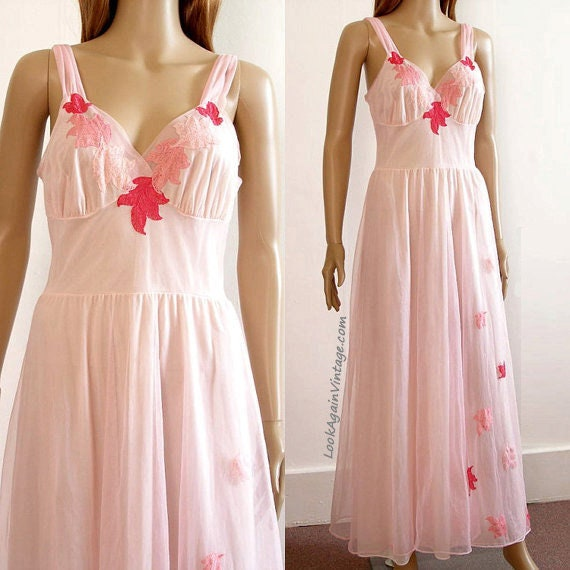 Pale Pink Long Nightgown Vintage 1950s Chiffon Lace Van Raalte Nightgown Lingerie  Small