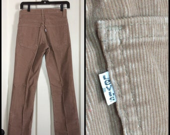 519 Levis Corduroys tag size 28x34, measures 27x33 tall Tan straight leg Talon zipper made in USA barely used cords boyfriend jeans #1588