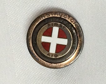 1940s Instructor First Aid small enamel brass lapel pin button badge ,75 inch WW2 era doctor nurse medical