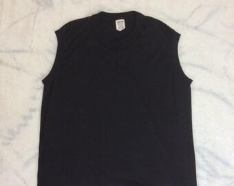 1970s black muscle tee sleeveless t-shirt size large 18x24 50/50 made in USA plain blank single stitch Action Sportswear Brooklyn New York