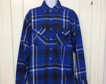 1970s 5 Brother Tallman heavy cotton flannel plaid shirt size XL long tall blue black white grunge skate work workwear Union made in USA