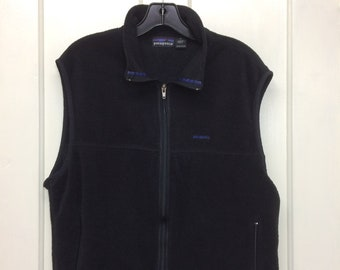 1990s black Patagonia thin fleece zip-up vest embroidered logo size medium made in USA