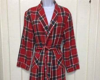 1960s soft cotton heavy flannel smoking jacket robe looks size XS red gray buffalo plaid Sears Roebuck rockabilly camping loungewear