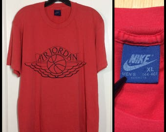 AJ1 1980's Nike Air Jordan 1 basketball wings t-shirt size XL 21x27 made in USA Red Black