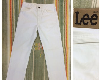 1980s white Lee 200 jeans Union made in USA tag size 33 X 34 measures 32 x 32 straight leg boyfriend jeans #378