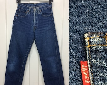1960s Levis big E 501 indigo blue jeans measures 27x31 redline selvedge single stitch #6 button boyfriend jeans dark wash hige denim #366