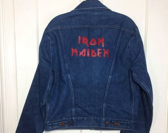 1970s Wrangler Iron Maiden painted blue jean denim jacket 4 pocket size 40 made in USA heavy metal rock band customized #1929