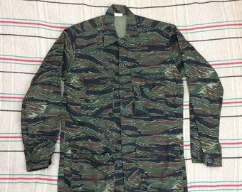 1980s tigerstripe camouflage 4 pocket field combat jacket size medium Nato camo shirt #157
