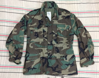 1980s US Military camouflage cold weather field jacket coat parka size medium cotton ripstop lining camo fatigues #155