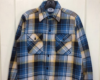 1970s Mr Leggs heavy cotton flannel shirt size medium looks small blue black tan plaid made in USA excellent condition lumberjack work shirt