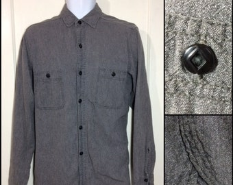 1950s light weight cotton black chambray work shirt looks size medium selvedge gussets diamonds on buttons salt and pepper