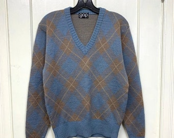 1970s argyle V-neck pullover sweater looks size small grayish blue beige harlequin classic preppy