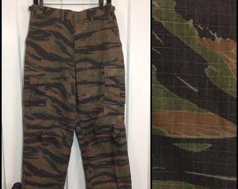 1980s rip stop green brown black tiger stripe camouflage field trouser size small 30x32 all cotton 6 pocket button fly camo barely used #124