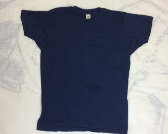 deadstock 1970s Fruit of the Loom pocket tee t-shirt size XL 22x28 dark blue all cotton made in USA plain blank single stitch square pocket