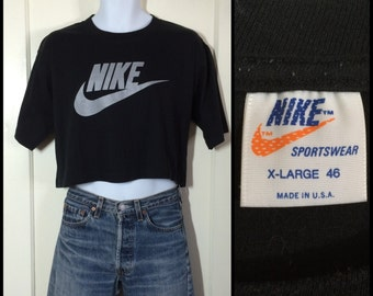 1970s Black Nike Brand Silver Swoosh Orange Tag Label cropped belly T-shirt size XL 22x18.5 made in USA