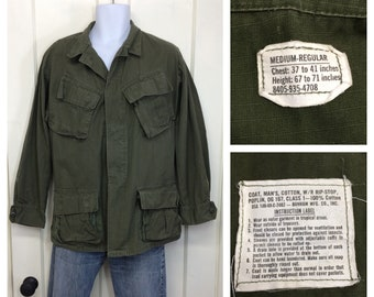 1960s 1968 US military Vietnam War era ripstop slant pocket field jacket size medium poplin cotton OG-107 olive green fatigues Bonham #147