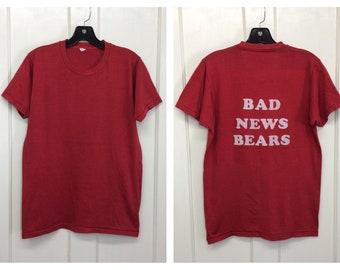 1970s the Bad News Bears flocked letter print t-shirt looks size medium 18x25 fuzzy back print movie baseball team tomboy Tatum O'neal