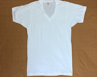 deadstock 1970s Hanes thin white cotton V-neck t-shirt undershirt size small 16x27 made in USA plain blank single stitch NOS
